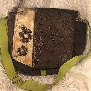 Haiku crossbody/shoulder bag w/pockets EUC flowery